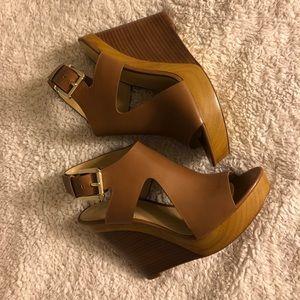 ✨Michael Kors Josephine Wedge Sandals Size 8✨